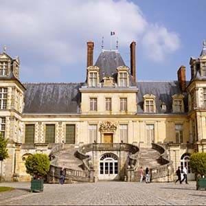 Circuits touristiques en Seine-et-Marne avec chauffeur privé à Nangis